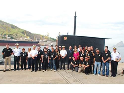 Comitiva em visita a força de submarinos