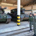 Comandante da 1ª Brigada de Artilharia Antiaérea visita o CI Bld