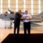 Embraer Defesa & Segurança entrega primeiro caça AF-1B modernizado