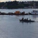 """Navio-Patrulha Fluvial """"Amapá"""" apresa embarcação e comboio no Rio Solimões"""