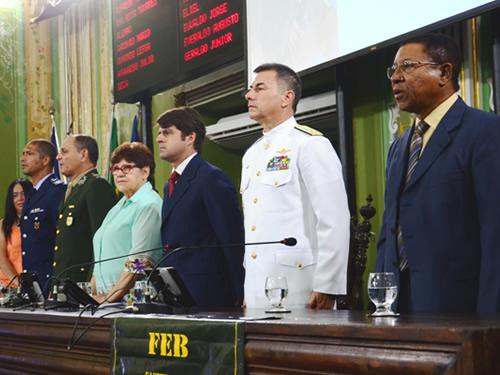 Vice-Almirante Caroli representou a MB na mesa da Câmara Municipal de Salvador