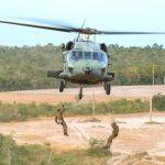 FAB busca peças de helicóptero no AM; Exército confirma lista de vítimas