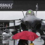 França e Índia fecham acordo para venda de 36 caças Rafale