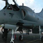 AF-1B da MB realiza lançamento de armamento em Maxaranguape