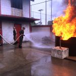 Cia C da Base de Apoio Logístico do Exército recebe instrução de combate a incêndio