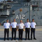 Comandante de la Aviacion Naval da Armada Argentina visita o ComForAerNav