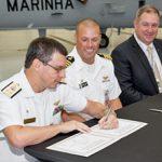 """Cerimônia marca o recebimento das 2 aeronaves SH-16 """"Seahawk"""" em US Palm Beach"""