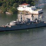 Comandante da Marinha assina portarias dando baixa em uma corveta e uma Fragata