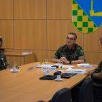 Comandante do Exército conversa ao vivo com militares temporários da reserva
