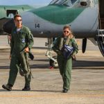 Pilotos estagiários participam de instrução operacional no Esquadrão Rumba