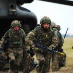Reino Unido planeja implantar tropas no báltico para conter a agressão Russa
