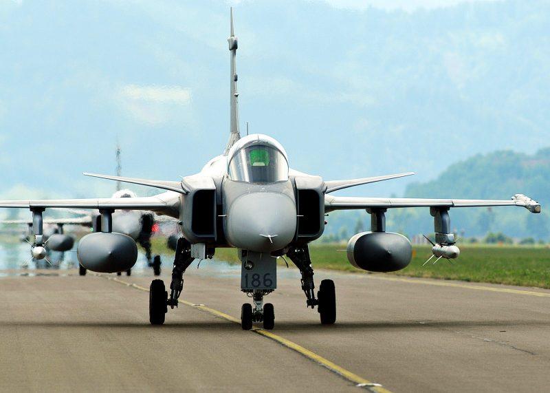 Saab-Gripen-1