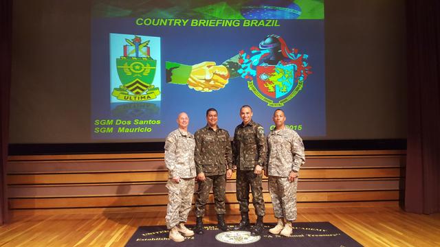 Sargentos do Exército Brasileiro ministram palestra na United States Army Sergeants Major Academy2