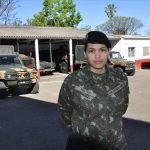 Mulheres no Exército: aliando a hierarquia, o batom, o esmalte e os rifles