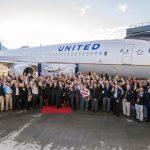 United saúda funcionários veteranos de guerra com voo de entrega do Boeing 737