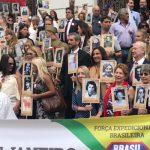 Regimento imortal percorre as ruas o centro do Rio