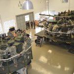 """Escola de Blindados do Exército do Paraguai faz visita técnica a unidades da """"Divisão Encouraçada"""""""