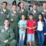 Colégio da Força Aérea realiza projeto com a Esquadrilha da Fumaça