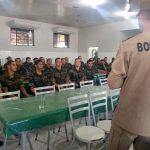 Militares do Exército iniciam treinamento com bombeiros para combater queimadas no Acre