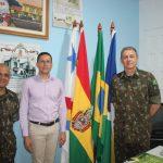 Comandante da 17ª Bda Inf Sl visita prefeitura de Guajará-Mirim