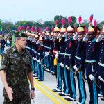 Chefe do DECEx realiza visita oficial à Academia Militar das Agulhas Negras